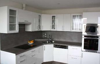 Nová kuchyně a vestavěné skříně