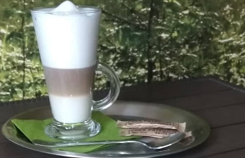 Provoz a rozvoj prodejny se zdravou výživou a kavárnou