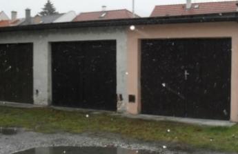 garáž a výměnu dveří, el. rozvodů.