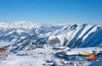 na lyžařské vybavení a lyžařskou školičku